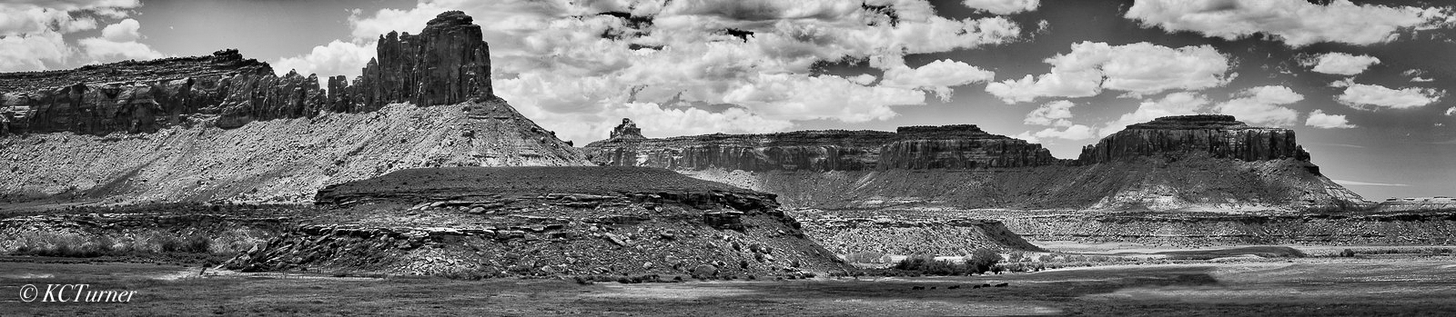 Moab, Utah, colorful canyons, buttes, spires, monochrome, photography, B&W, black, white, landscapes, panorama, photo