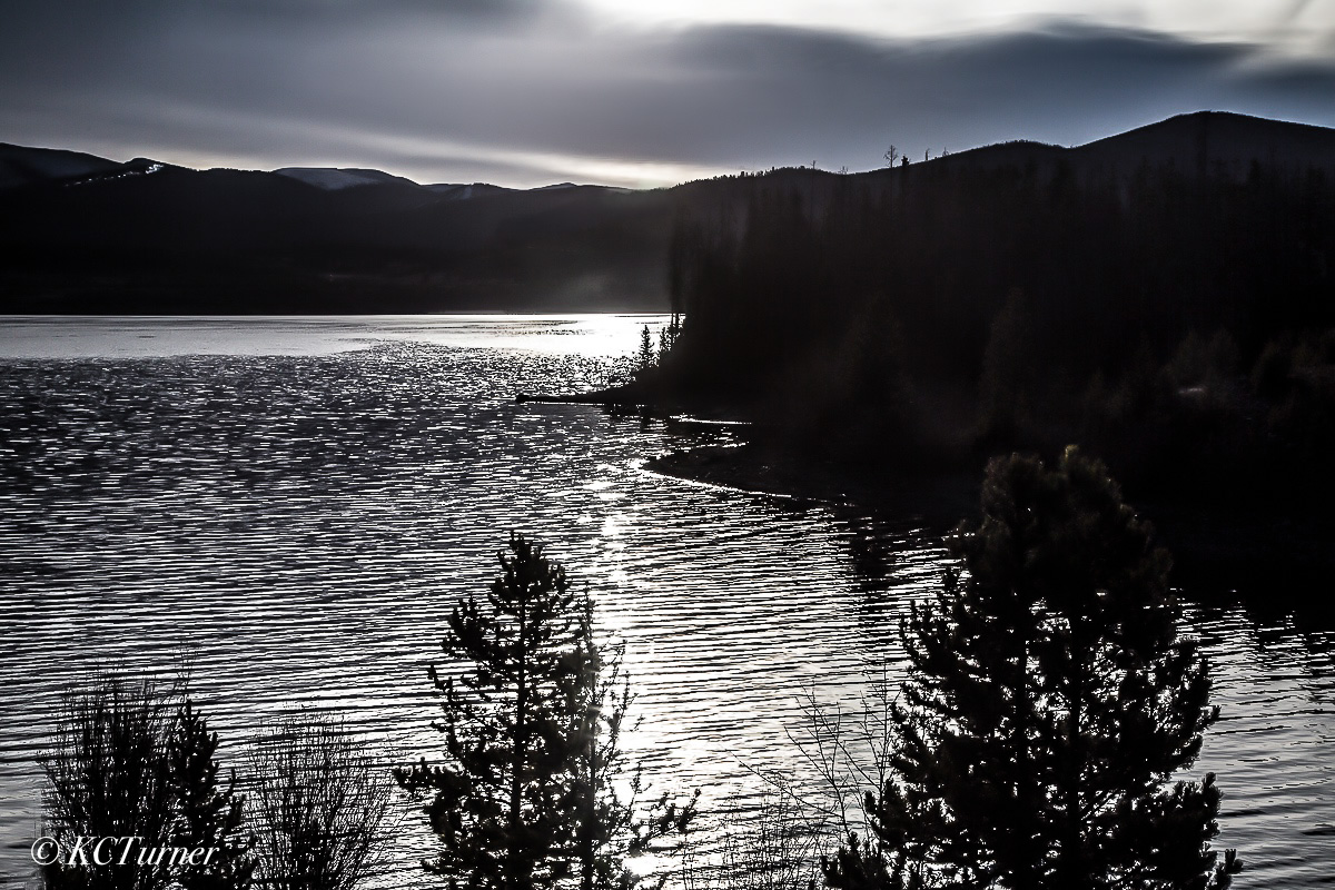 Deep, monochromatic, silvers, blacks, day's end, winter day, Dillon Lake, Colorado, photo
